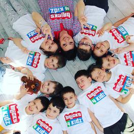 Kids_Circle_Laughing_Fun